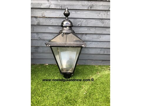 LARGE RECLAIMED VICTORIAN STYLE BLACK LANTERN LAMP POST LAMP TOP WITH SENSOR
